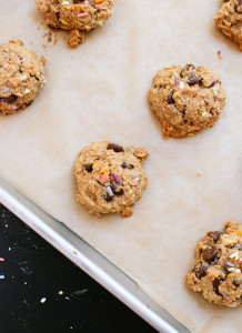 peanut-butter-banana-honey-oat-chocolate-chip-cookies